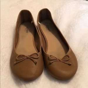 Old Navy | Tan Flats with Bow Detail Size 9